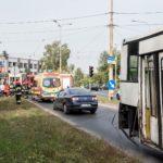 Zderzenie tramwaju z autobusem MZK na rogu Skłodowskiej-Curie i Wschodniej. Są poszkodowani